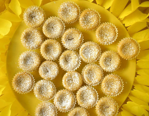 עוגיות טחינה בניחוח הדרים (צילום: מירב גביש)