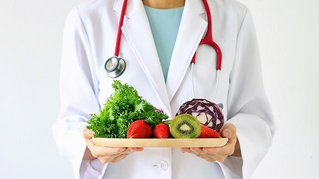 לשנות הרגלים. לעבור לתזונה בריאה (צילום: shutterstock) (צילום: shutterstock)