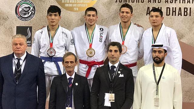 Nimrod Ryeder (2nd left) and Amir Alroy (2nd right) on the podium (Photo: Ayelet Federation)