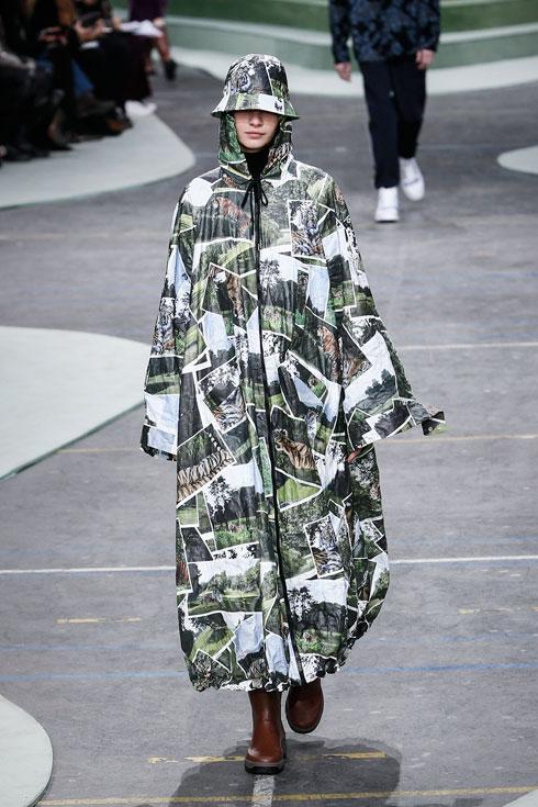 לחצו על התמונה לכל המראות והאושיות הלוהטות של שבוע האופנה (צילום: AP)