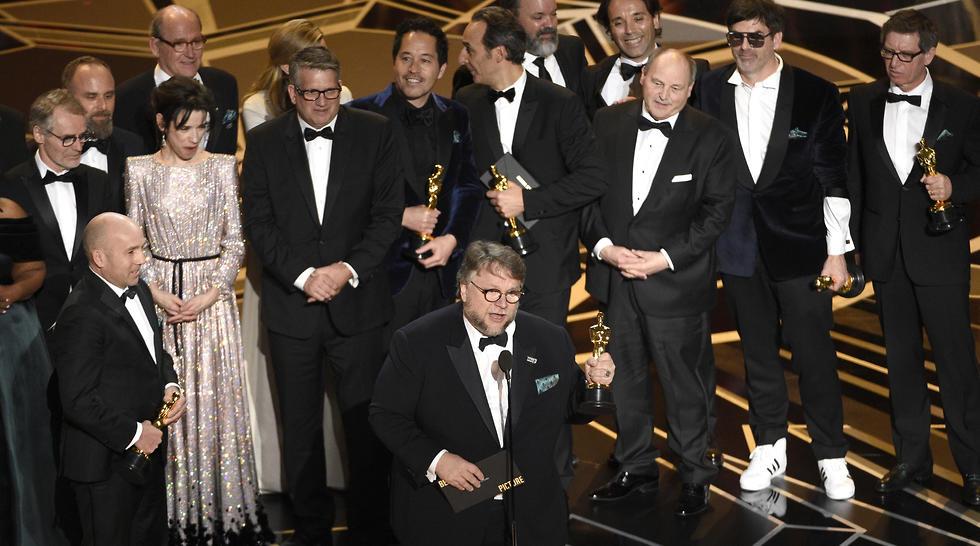 """""""צורת המים"""" זכה בפרס הסרט הטוב  (צילום: AP) (צילום: AP)"""