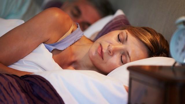 אל תזלזלו בשעות השינה שלכם (צילום: shutterstock) (צילום: shutterstock)