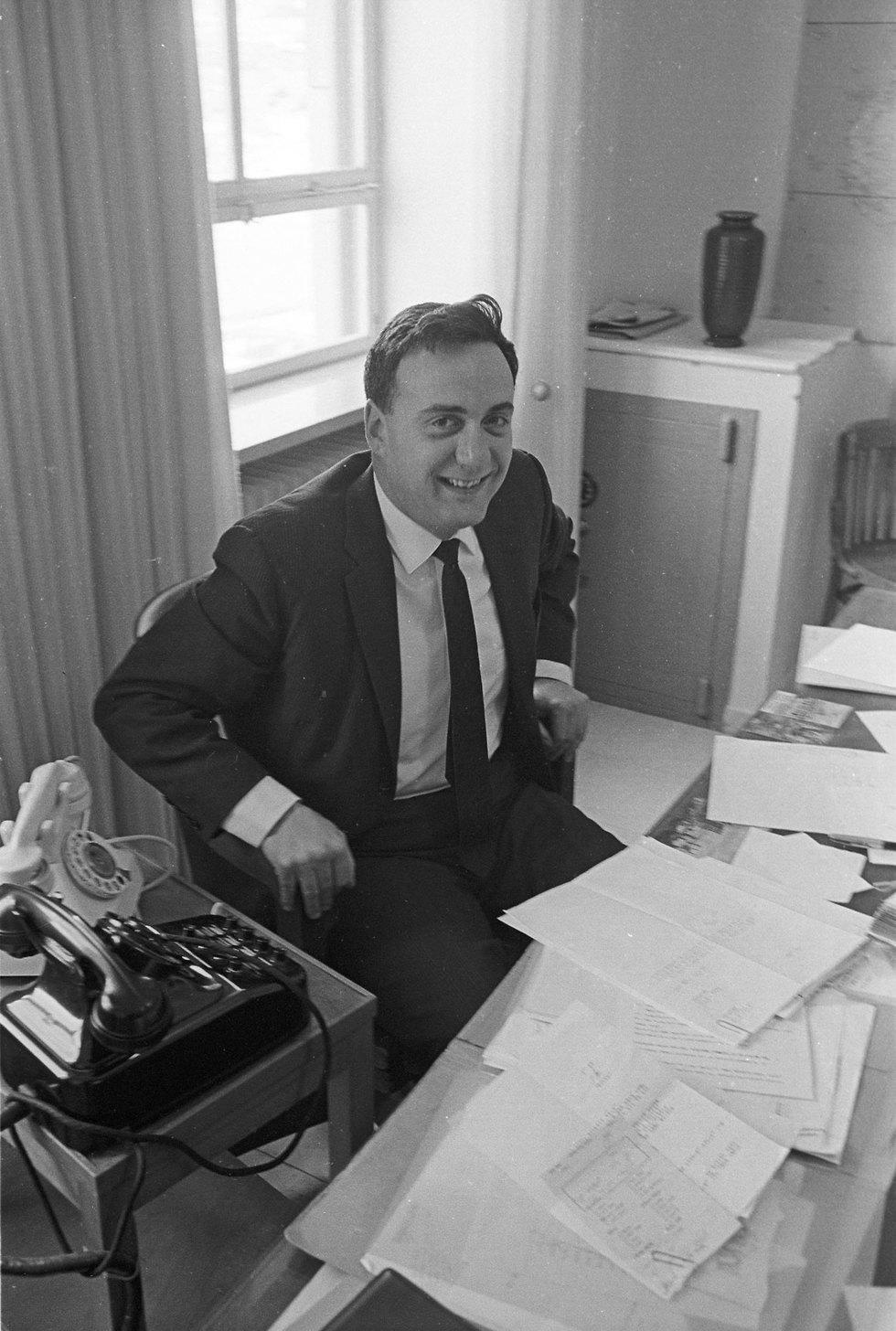 לוברני בתקופה שבה שימש כשגריר ישראל באיראן (צילום: דוד רובינגר) (צילום: דוד רובינגר)