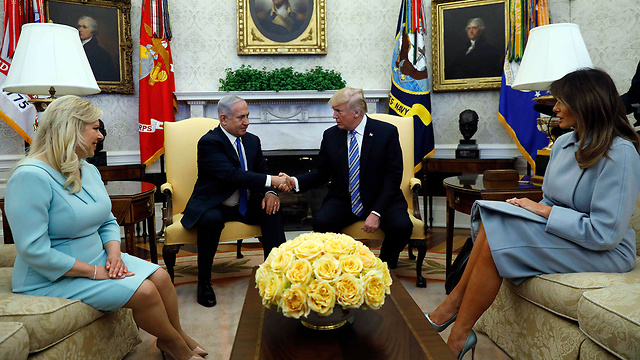 PM Netanyahu (L) and President Trump, flanked by their wives (Photo: Reuters)