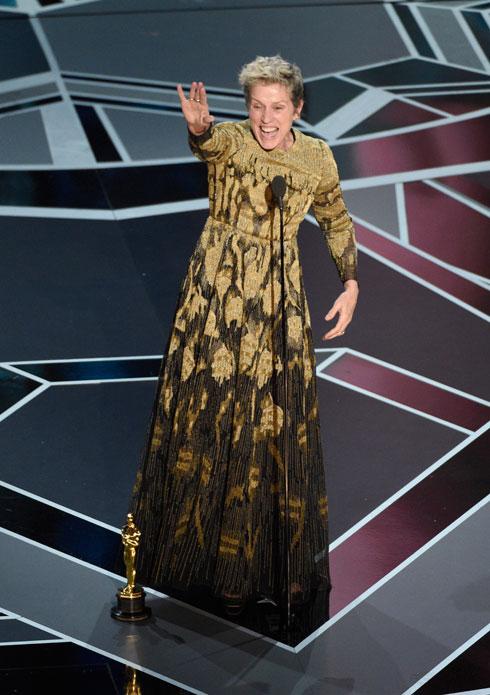אחד מנאומי האוסקר הטובים שנשמעו בהוליווד. מקדורמנד זוכה בפסלון שני בקריירה שלה (צילום: AP)