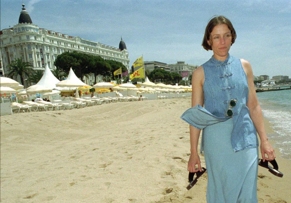 רגע לפני האוסקר הראשון שלה: פרנסס מקדורמנד, 1996 (צילום: AP)