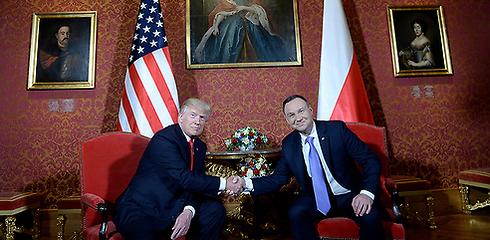 US President Trump (L) with Polish President Duda (Photo: EPA)