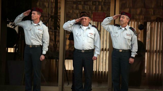 Generals: (L-R) Nadav Padan, Gadi Eisenkot, Roni Numa (Photo: Hillel Meir)