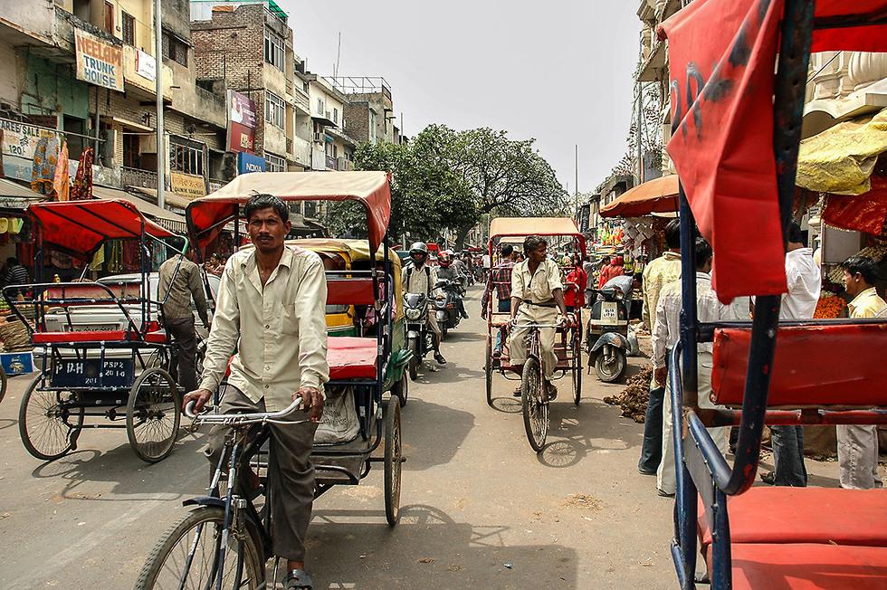הלם ראשוני וריקשות ברחובות (צילום: Depositphotos ) (צילום: Depositphotos )