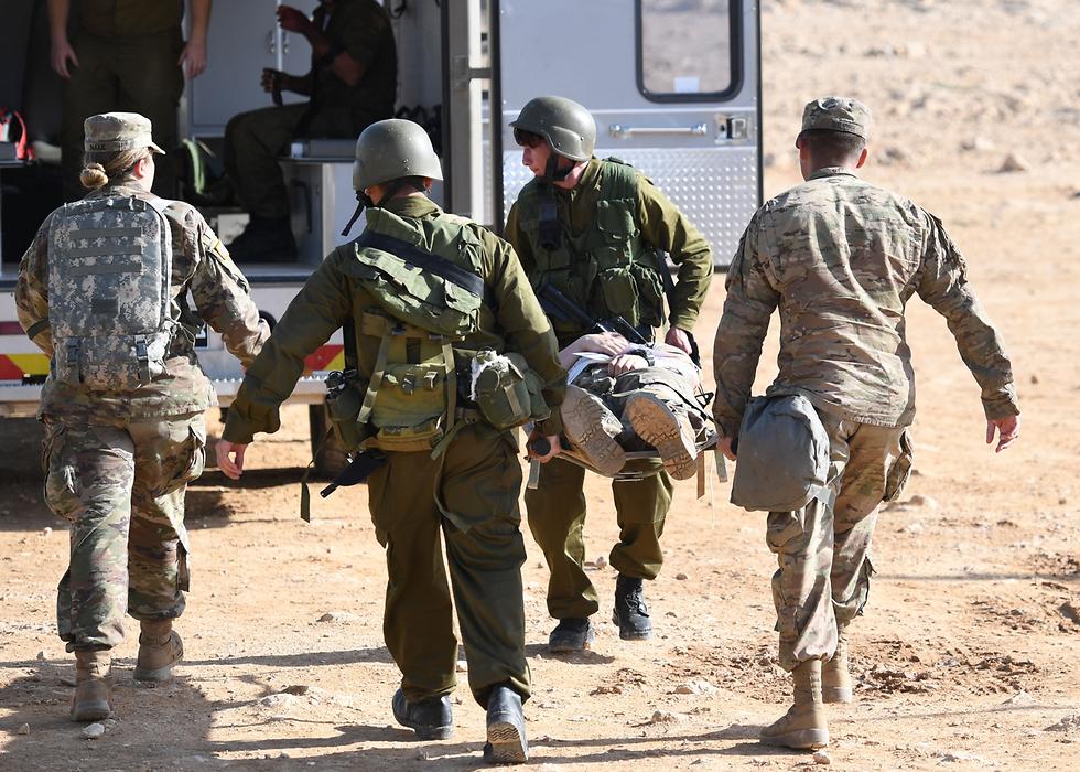 """עובדים על שיתופי הפעולה בין צה""""ל לצבא ארה""""ב (צילום: U.S. Air Force Tech Sergeant Matthew Plew) (צילום: U.S. Air Force Tech Sergeant Matthew Plew)"""