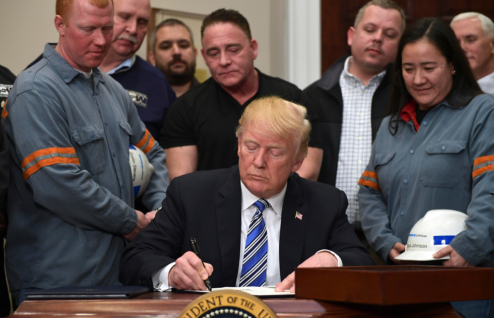 מוכן להתגמש על תוכנית הטלת המכס. טראמפ (צילום: AP) (צילום: AP)