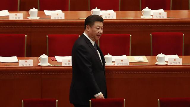 פעל בשנים האחרונות לצבירת עוצמה פוליטית מרבית. נשיא סין שי ג'ינפינג (צילום: EPA) (צילום: EPA)