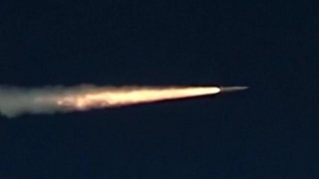 """""""מהיר פי 10 ממהירות הקול"""". מתוך תיעוד שיגור הטיל הרוסי ()"""