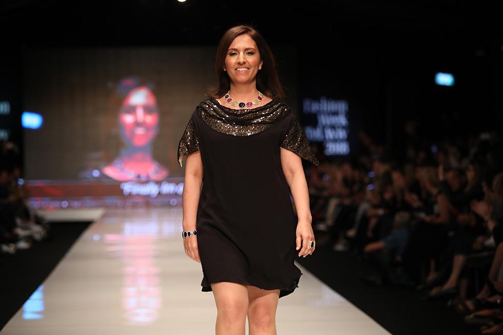 השרה לשוויון חברתי גילה גמליאל בשמלה של ליה (צילום: אורית פניני)