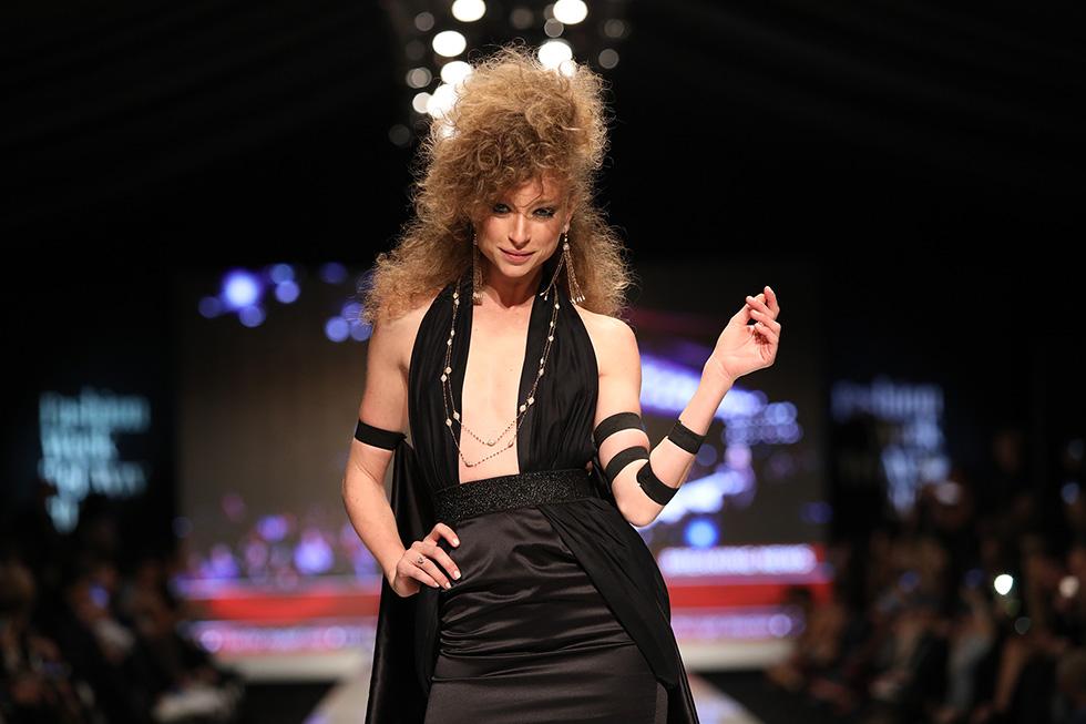 יוליה פלוטקין בשמלה של שונטל (צילום: אורית פניני)