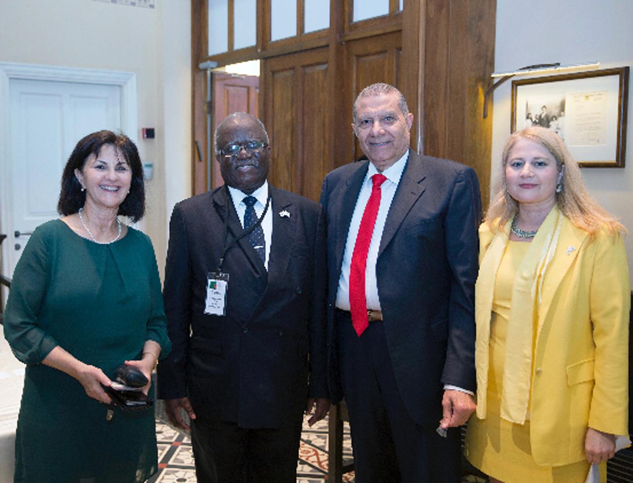 איילה ויטנר, ניסו בצלאל, מרטין מוונבל (שגריר זמביה בישראל), קורין גנור (צילום: עמוס הירש) (צילום: עמוס הירש)