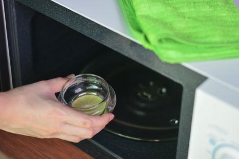 מים ולימון, 5 דקות ולנגב (צילום: Shutterstock)