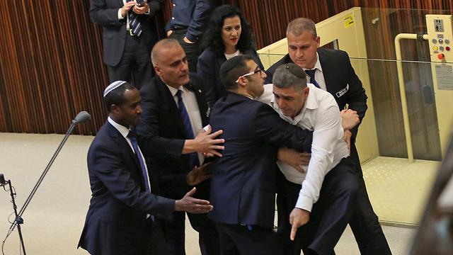 Deputy Minister Yaron Mazuz removed from the plenum (Photo: Alex Kolomoisky)