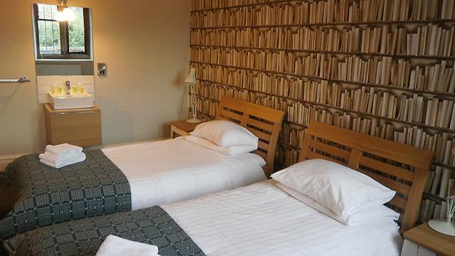 לישון באווירה ספרותית (צילום: מתוך האתר של Gladstone's Library) (צילום: מתוך האתר של Gladstone's Library)