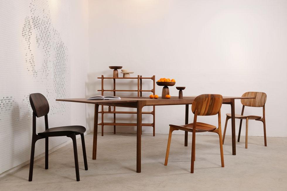 מערכת ריהוט של המעצבת מוניקה פורסטר, אחת המעצבות העסוקות והבולטות בשוודיה. הסטודיו החדש שלה ממוקם בבניין עתיק, ששימש בעבר כמבשלת בירה, בשכונת פועלים שהג'נטריפיקציה הביאה אליה מעצבים ואדריכלים רבים. פורסטר היתה מעורבת בכמה פרויקטים ביריד  (צילום: Almin Zrno באדיבות: ZANAT)