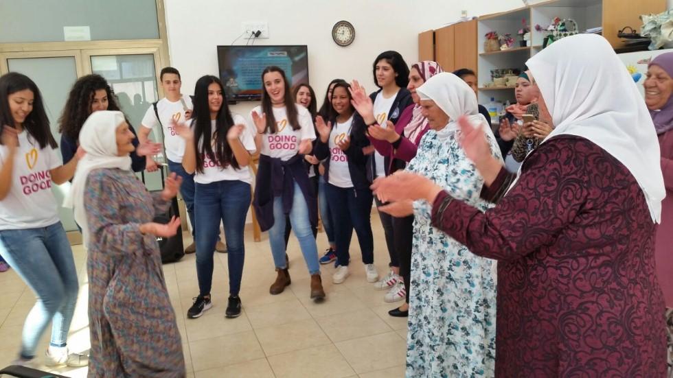 התנדבות בבית הקשיש בכפר קרע
