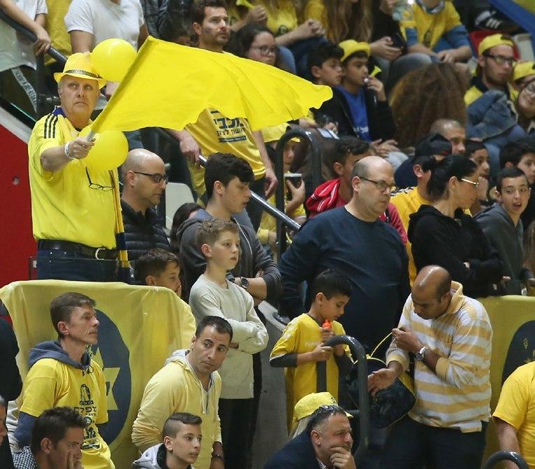 הצהובים מנסים לעכל את ההפסד (צילום: אורן אהרוני)