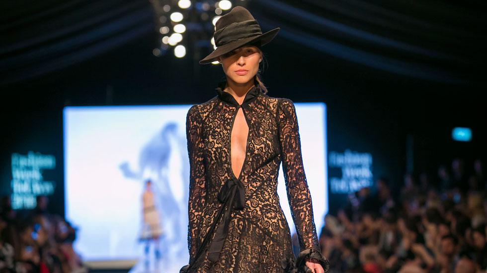 צפו בתצוגה של ויוי בלאיש סוגרת את שבוע האופנה תל אביב