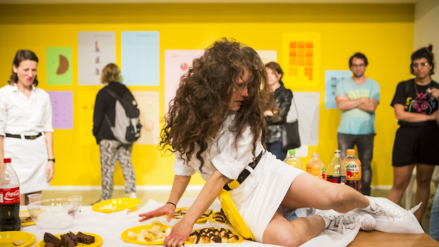 פרויקט ריאיון, התנועה הציבורית (תנועה ציבורית הריאיון, ארטפורט תל אביב (2017). צילום: כפיר בולוטין)