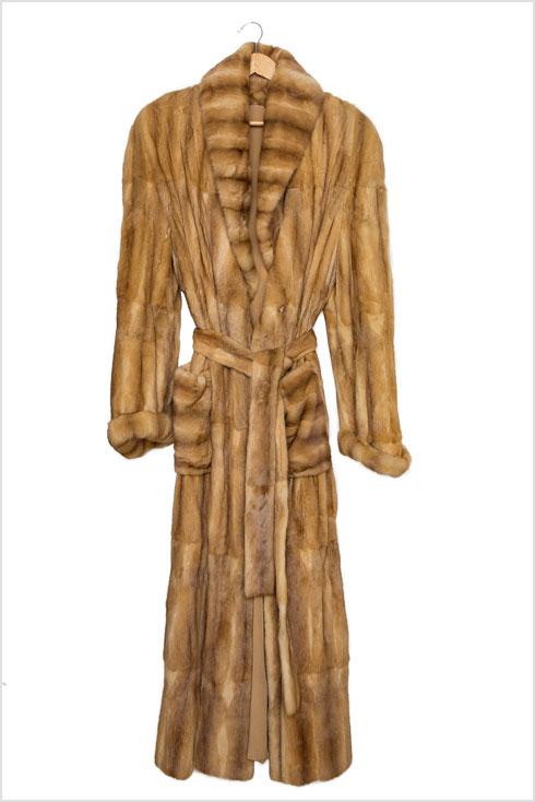 מארונה של רוזנבלום: מעיל פרווה ארוך (צילום: ענבל מרמרי)