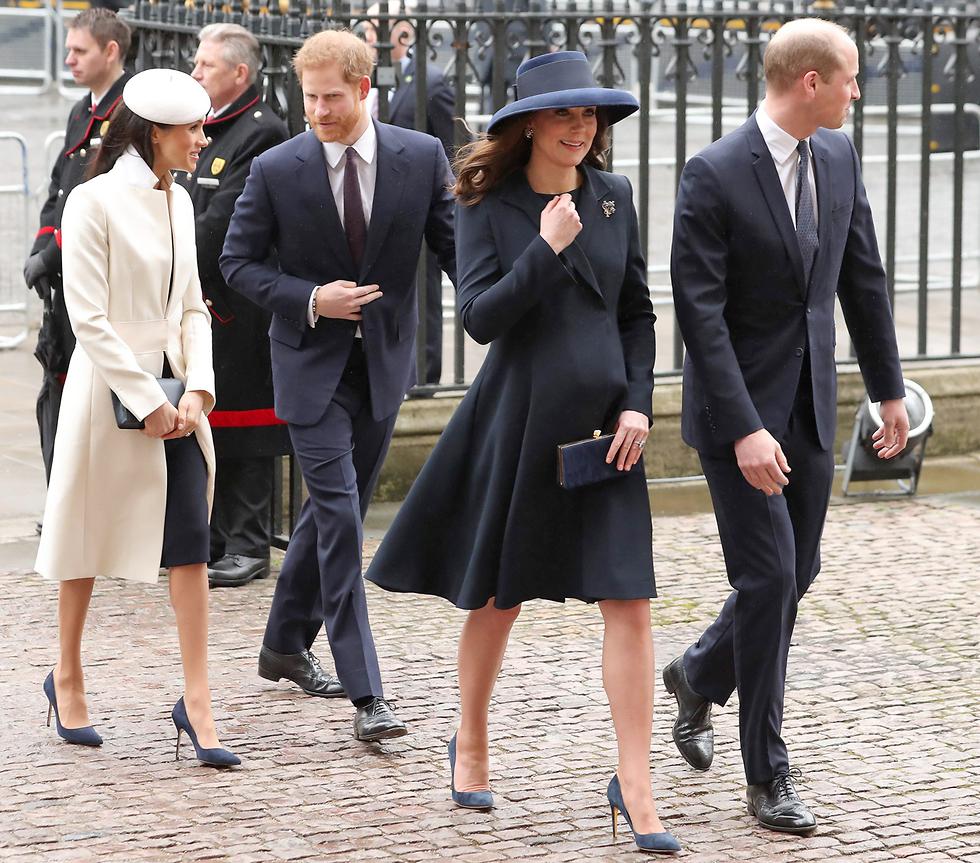 הנסיך ויליאם, אשתו קייט מידלטון, הנסיך הארי וארוסתו מייגן מרקל (צילום: AFP)