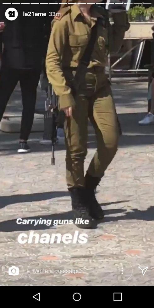 """""""נושאים רובים כמו תיקי שאנל"""". תמונה בסטורי של צלם אופנת הרחוב אדם כץ סינדינג (צילום: Adam Katz Sinding)"""