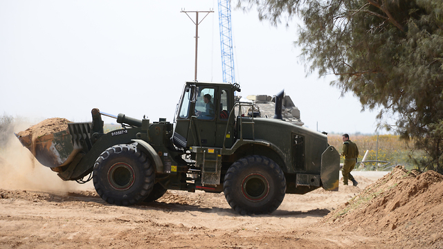 IDF activity on the border (Photo: Herzl Yosef)