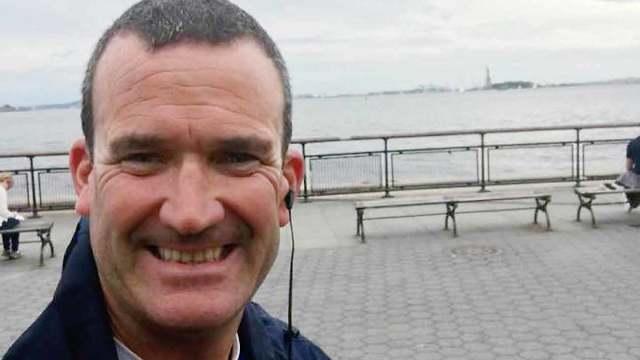 הכבאי תומס פלאן שהציל מאות אנשים באסון התאומים בניו יורק ב-2001 ()