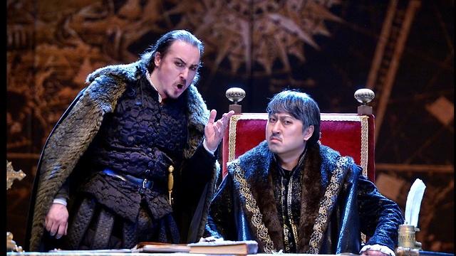 Rodrigo (L) and King Filippo II (Photo: Yossi Zwecker)