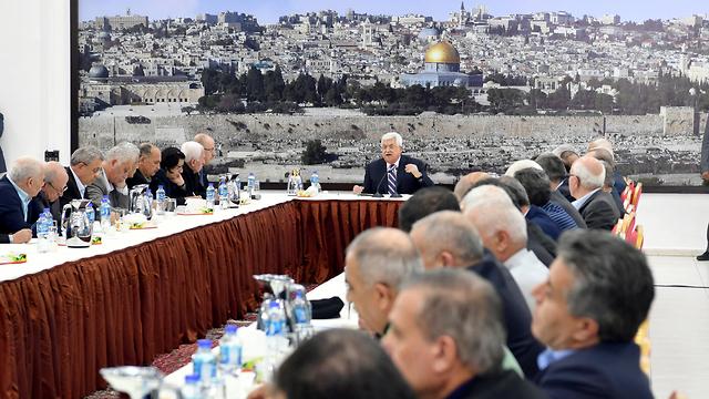 Abbas giving speech in Ramallah (Photo: Reuters)