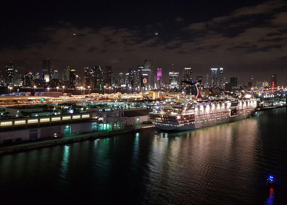 יוצאים לדרך: הנמל במיאמי (צילום: אסף קוזין)