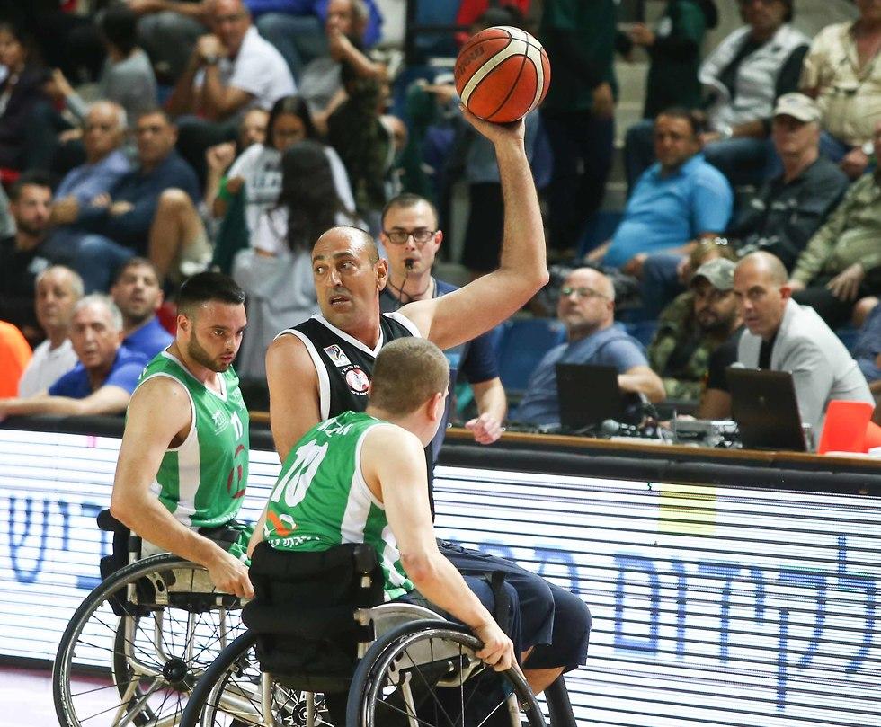אילן רמת גן בית הלוחם חיפה גמר גביע המדינה כדורסל בכיסאות גלגלים (צילום: ראובן שוורץ)