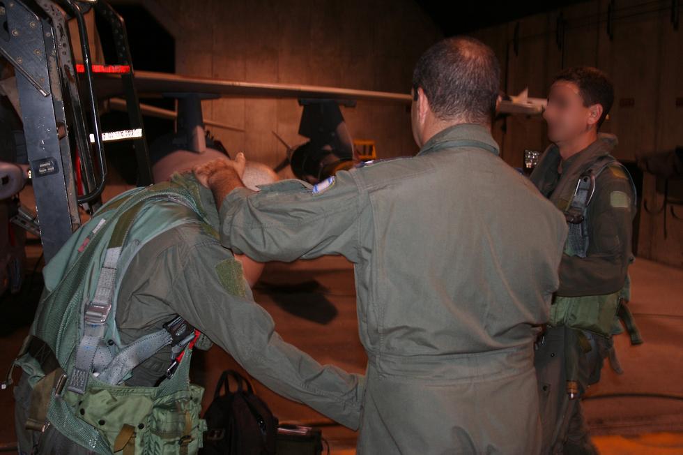 טייסת 119 לפני תקיפת הכור בסוריה (צילום: דובר צה