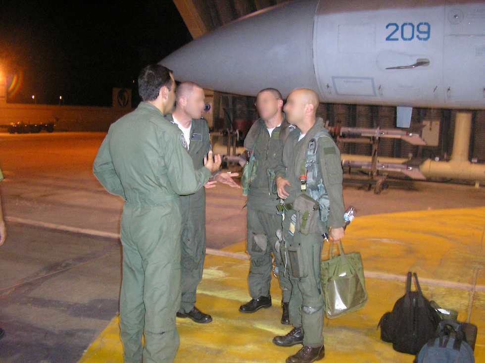 טייסת 69 לפני תקיפת הכור בסוריה (צילום: דובר צה