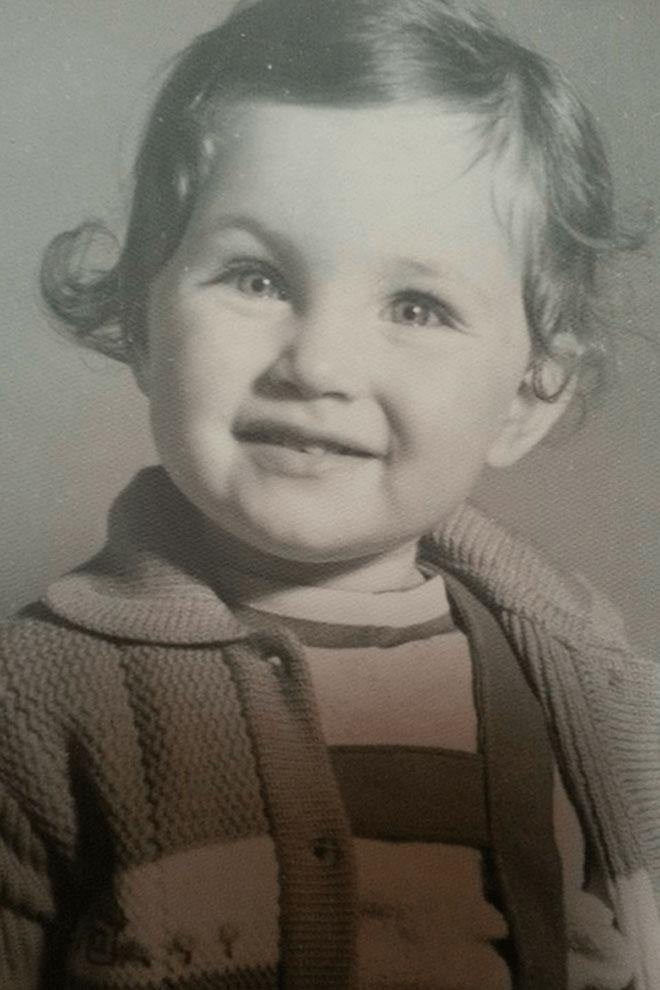 """""""הייתי נפרדת לשלום מהוריי בכל יום שני וחוזרת הביתה רק ביום חמישי"""". הקליקו על התמונה (צילום: אלבום פרטי)"""
