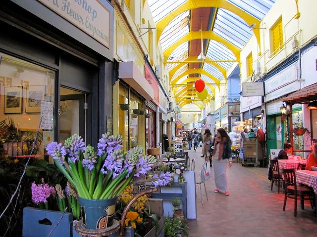 שוק בריקסטון בשעות היום