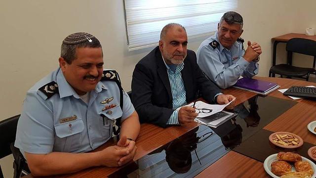 רוני אלשיך ו 'אלד חמדאן ()