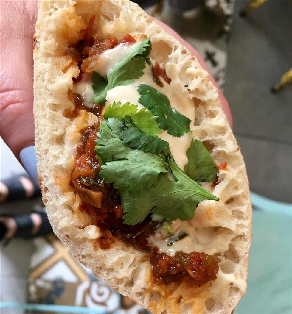 אוכל רחוב בירושלים (צילום: לין לוי)