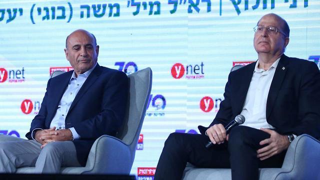 Former IDF chiefs Mofaz and Ya'alon (Photo: Motti Kimchi)