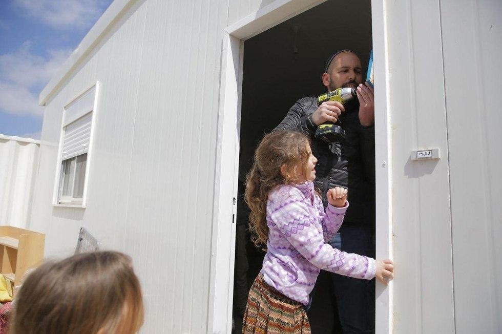 Amona evacuees (Photo: Hillel Meir/TPS)
