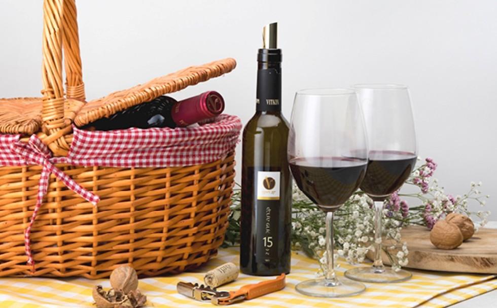 "מארזי יין יקב ויתקין (צילום: יח""צ)"