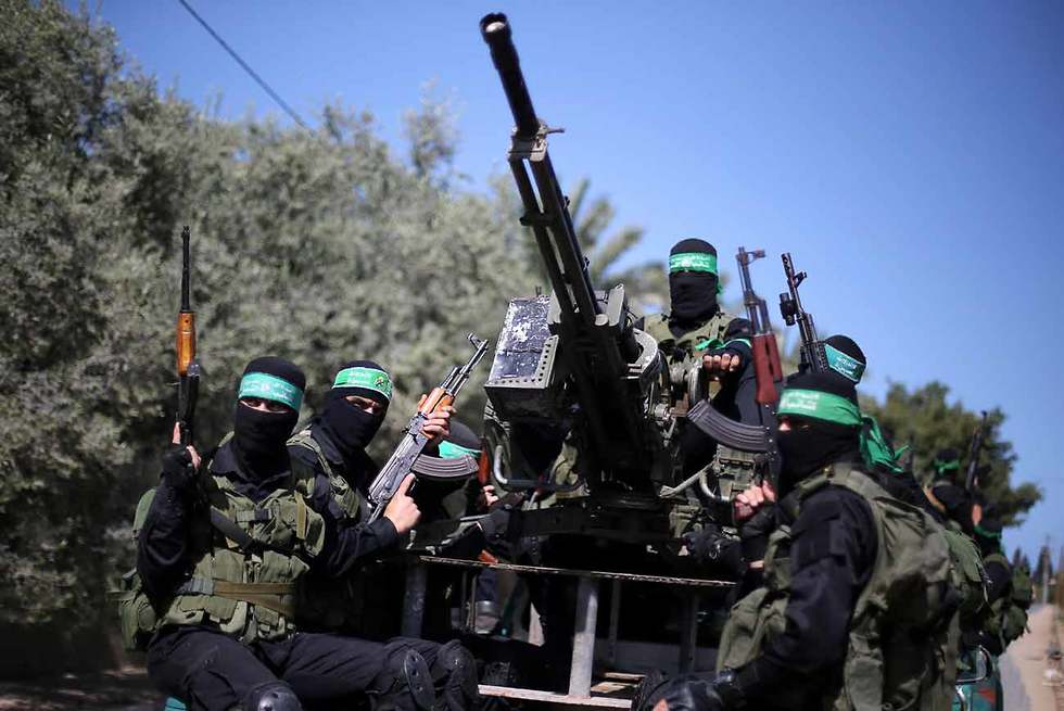 Hamas conducts large-scale military exercise (Photo: Reuters)