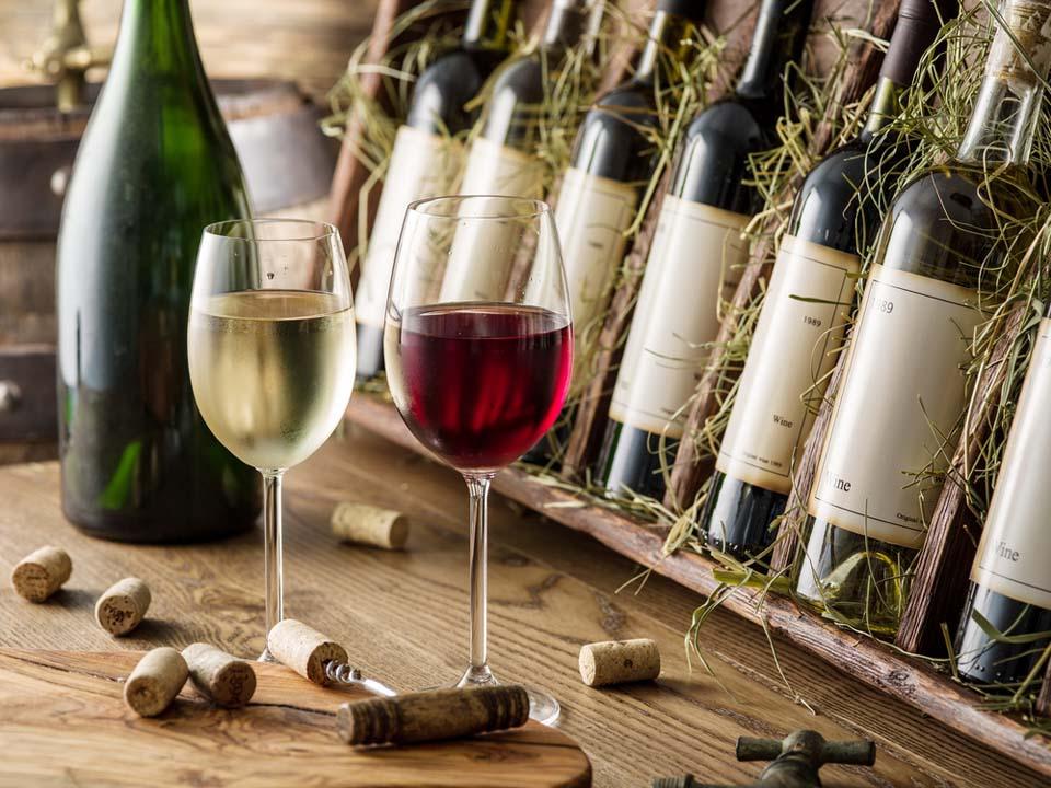 Вино. Фото: Shutterstock.com