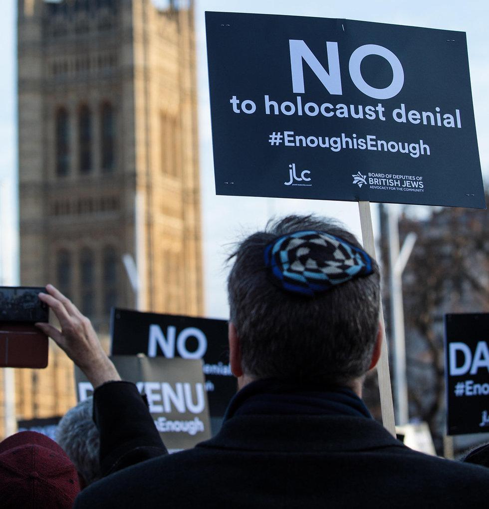 """יהודים מחו נגד הלייבור: """"שנאה אובססיבית לישראל"""" 8432052099301009801021no"""