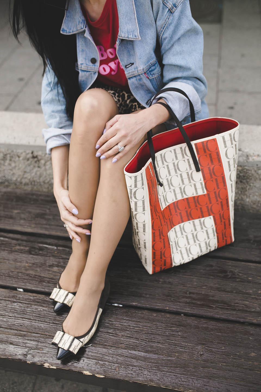 Сумка-пакет от Carolina Herrera